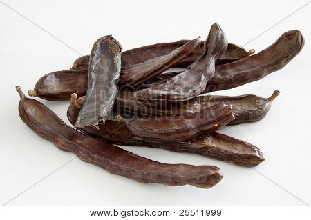 carob brown huls as spice for confectionery