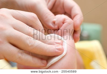 Caring for a newborn child, clean hands