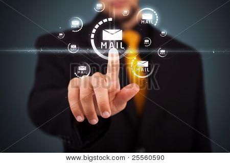 Kaufmann drücken messaging Typ des modernen Ikonen mit virtuellen Hintergrund