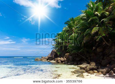 Bright Holiday Vacation Retreat