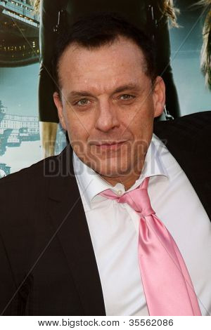 LOS ANGELES - AUG 1:  Tom Sizemore arrives at the