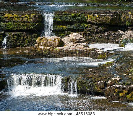 Aysgarth cascadas