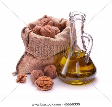 Walnut Oil With Nuts