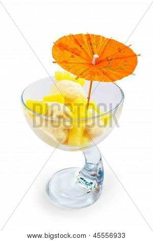ice cream food and cup isolated white background
