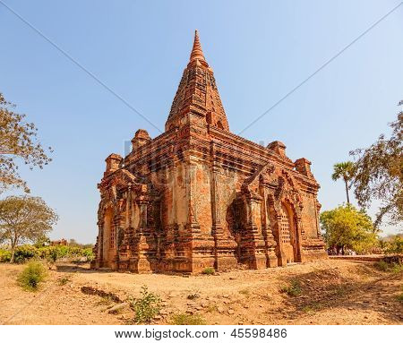 Gubyaukgyi Temple in Bagan