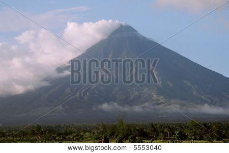 Mayon Volcano  Nd2809