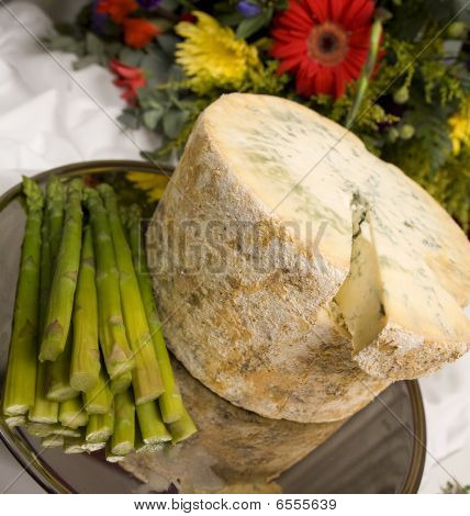 Stilton Cheese With Asparagus