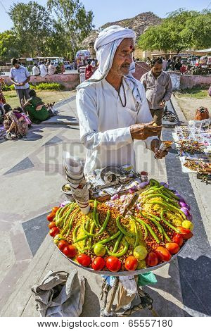 Street Seller Selling Bananas And Other Fruits In Jaipur