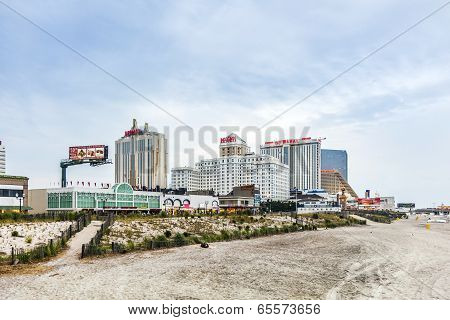 Boardwalk With Taj Mahal Hotel And Casino In The Evening