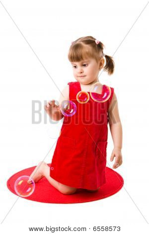 Chica jugando