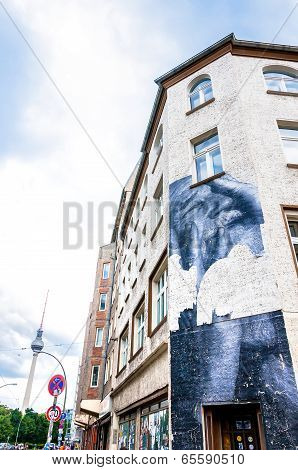 mural on building in Berlin