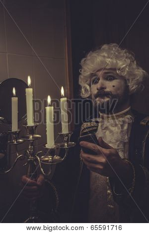 Selfie, man with white wig nineteenth and candlestick with candle