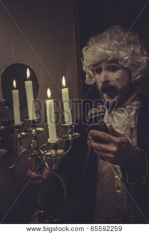 Funny Selfie, man with white wig and candlestick nineteenth century