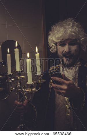 Fun Selfie, man with white wig nineteenth and candlestick with candle