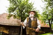 ������, ������: Old farmer
