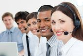 International Customer Service Agents mit Headset auf