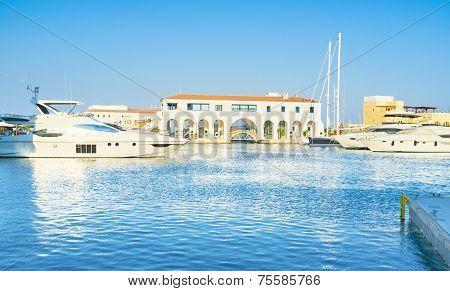 The Modern Harbor