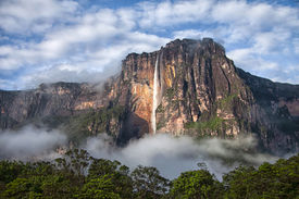 pic of canaima  - Closeup of the highest waterfall in the world  - JPG