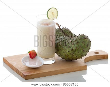 Yogurt And Soursop Mix Smoothies