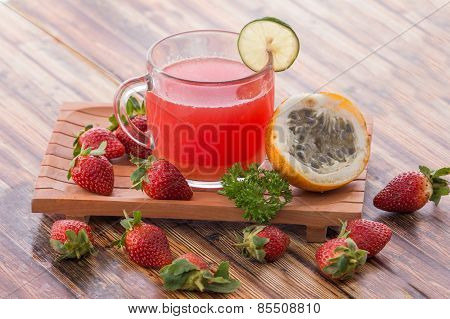 Passion Fruit And Strawberry Smoothies