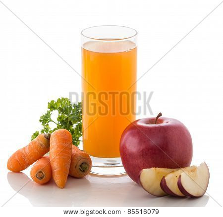 Apple, Carrot And Red Beans Mix Juice
