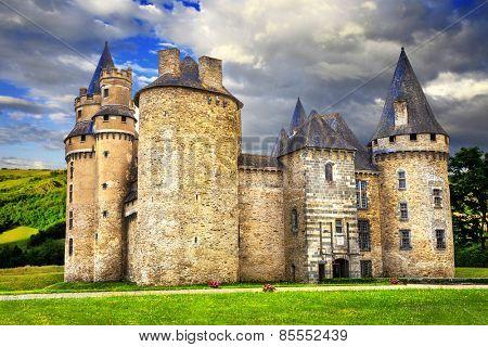 impressive medieval castles of France (Dordogne)