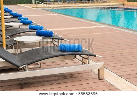 Welcome Daybeds By Swimming Pool