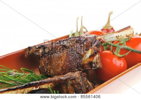 savory : roasted beef ribs with raw cherry tomatoes and fresh chives