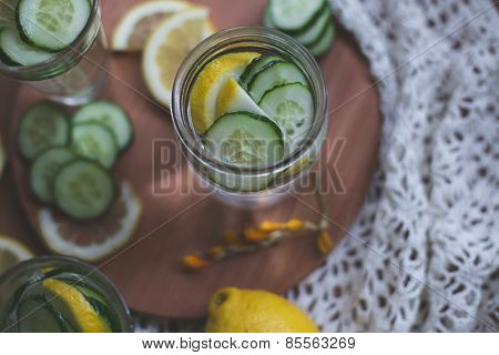 infused lemon cucumber water