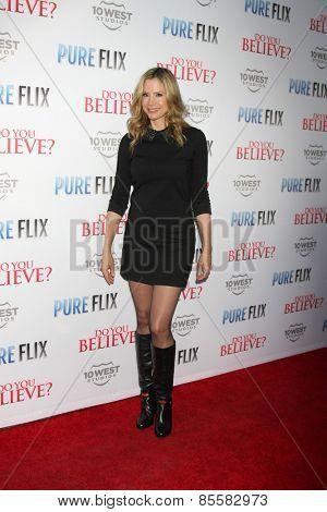LOS ANGELES - MAR 16:  Mira Sorvino at the