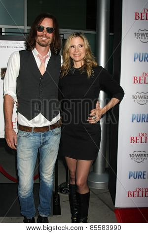 LOS ANGELES - MAR 16:  Christopher Backus, Mira Sorvino at the