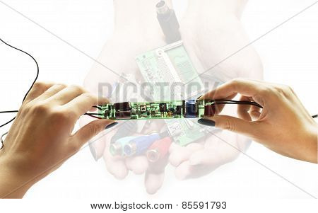 Electronic Schemes In Hands
