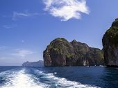 pic of phi phi  - Ko Phi Phi Ley is an island of the Phi Phi archipelago - JPG