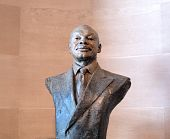 picture of willy  - Statue of San Francisco Former Mayor Willie Brown on display inside San francsico City Hall - JPG