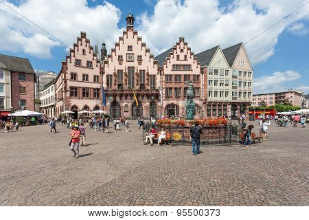 Roemberberg Square In Frankfurt