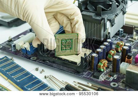 Remove Cpu From Main Circuit Board To Check