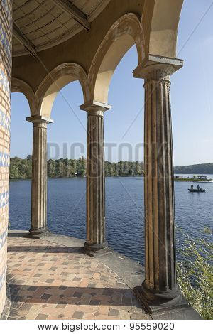 Columns On The Havel