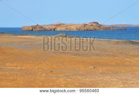 Islet Ocean Apart