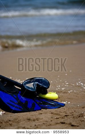 Snorkelling gear on the beach