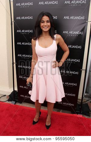 vLOS ANGELES - JUL 1:  Emmanuelle Chriqui at the Anil Arjandas Jewels Store Opening at the Anil Arjandas Jewels on July 1, 2015 in West Hollywood, CA
