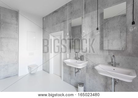 Spacious White Bathroom With Sinks