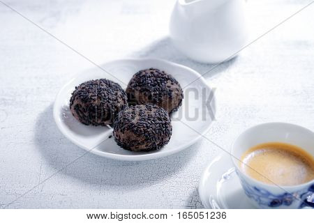 Almond cookies with chocolate and coffee. Gluten free flour.