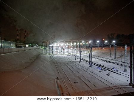 Moscow circular railway in the winter evening