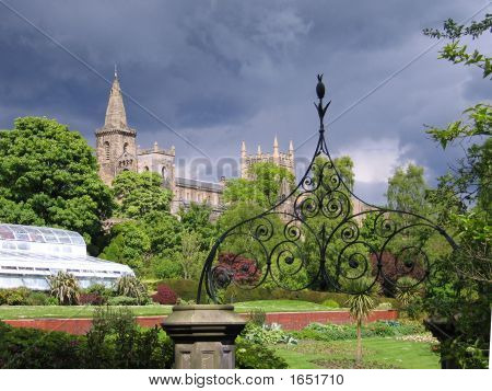 Pittencrieff Park And Dunfermline Abbey