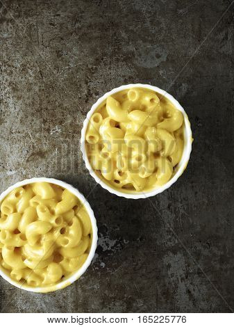 close up of rustic american english macaroni cheese