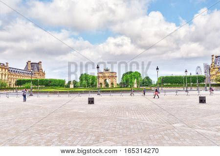 Paris, France - July 03, 2016 : Arch Near The Museum Louvre . The Louvre Is The Biggest Museum In Wo