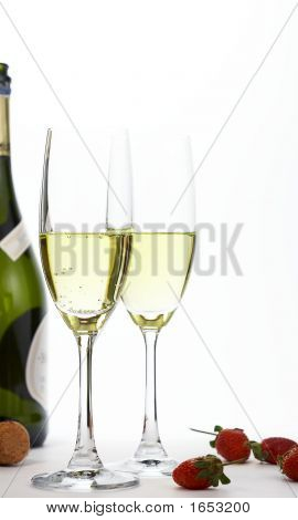 Sparkling Wine And Srawberry