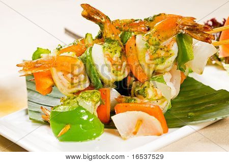 Shrimps And Vegetables Skewers