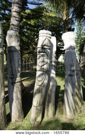 Totems In Noumea