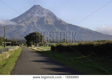Country Road To Mt Taranaki Nz